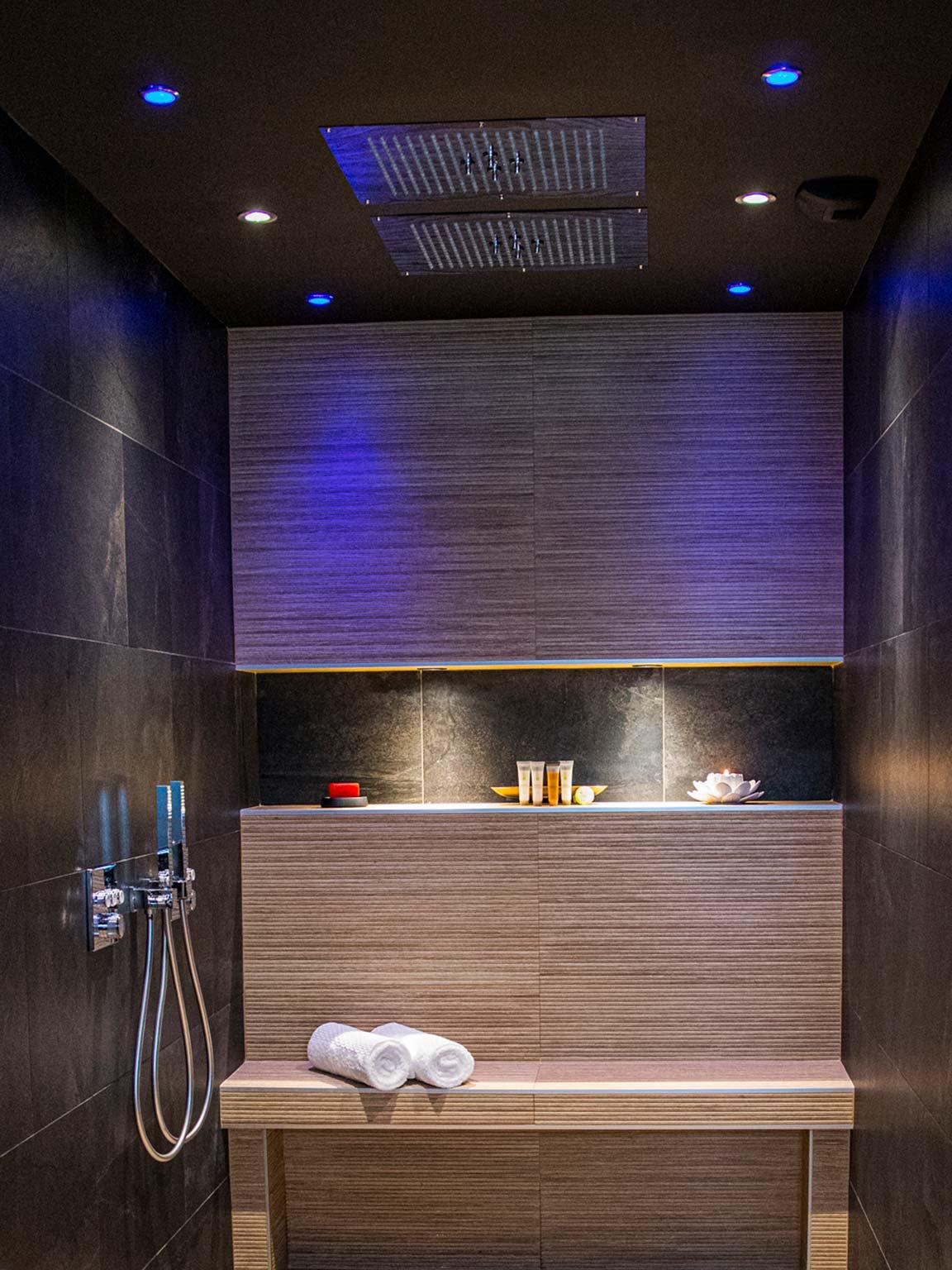 salle de bain love room
